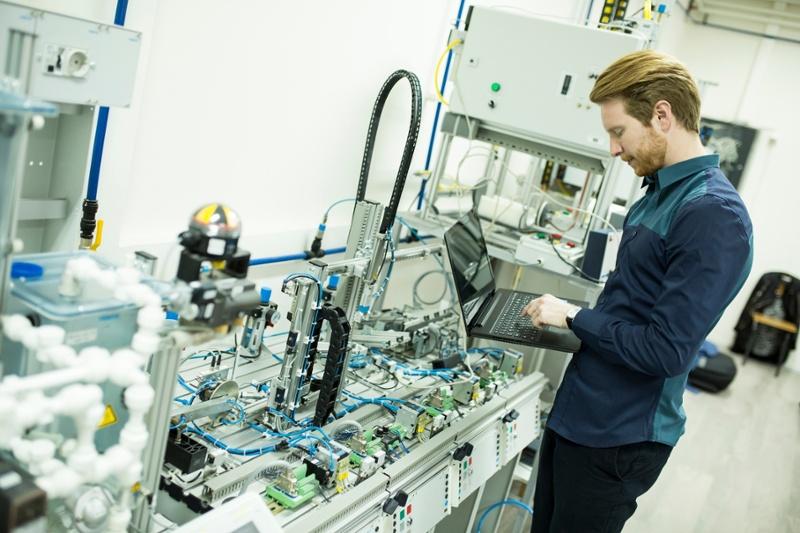 rsz_rsz_manufacturing-2-1